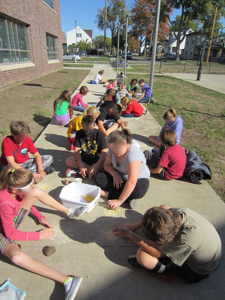 Fifth in the Middle: Native American Corn Grinding Activity