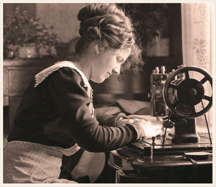Si has comprado una máquina de coser o estás a punto de hacerlo, primero que nada debes conocer los elementos que hacen posible su funcionamiento, conócelos. http://www.linio.com.mx/electrodomesticos/maquinas-de-coser/