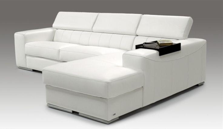 Divano letto bianco moderno http://www.seduzionesofa.com/promozione/2271/DIVANO-CON-CHAISE-LONGUE-PELLE-COLORE-BIANCO.aspx