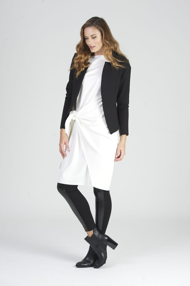 Fitted, comfortable, flattering and totally essential.Worn over your BAZTAN with glam track or teamed with the tote and leggings.Flattering fit, stretch fabric so always comfortable.  Fully lined, tailored cropped jacketFabric:Stretch denimScuba with Leather inner arm panelLooks great with all other BAZ pieces(SIZING XS,S,M,L)