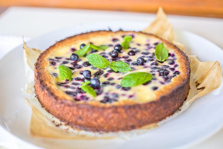 Черничный торт на ржаном тесте со сметанной заливкой