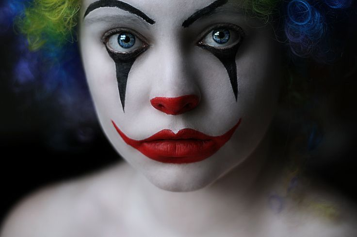 Smiling on the outside, crying on the inside?: Circus Photoshoot, Clowns Faces, Eyeslipshaircostumesand Makeup, Faces Paintings, Circus Inspiration, Clowns Makeup, Facepaint, Sad Clowns, Halloween