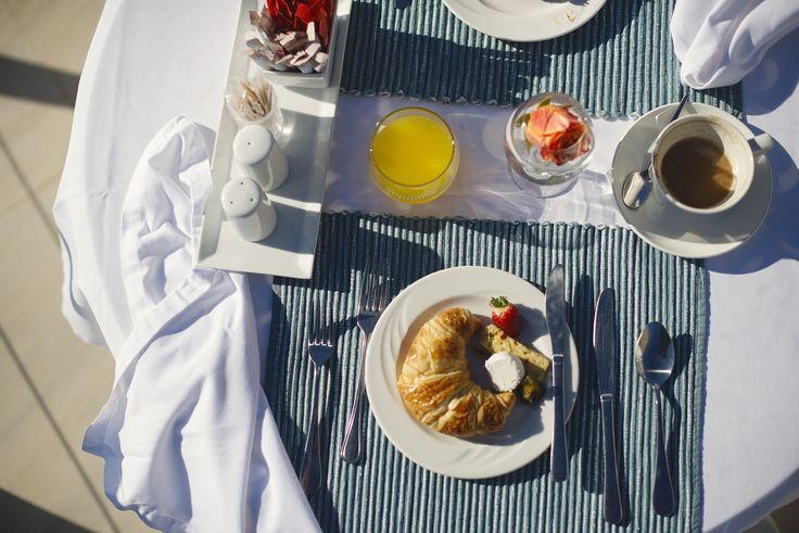 Sunrise breakfast on the beach terrace at The Last Word Long Beach.