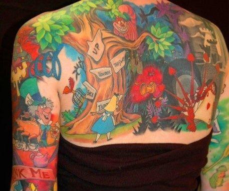 Grymt Alice i Underlandet tatuering