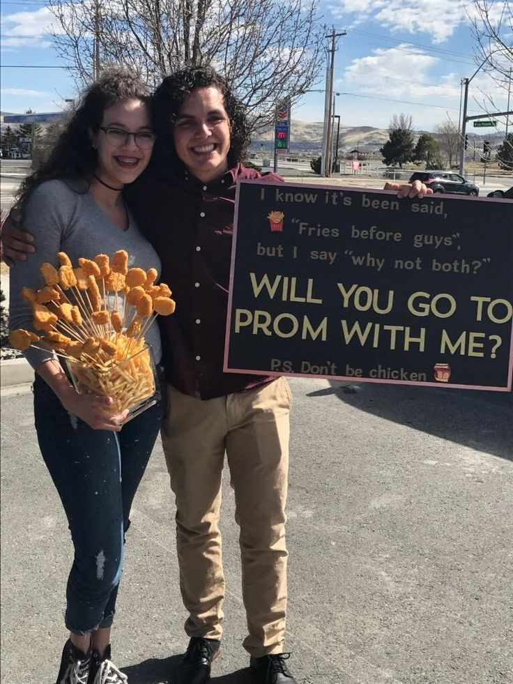 so my best friend got promposed to a couple days ago  #prom #promposal #couples #chickennuggets #bestfriends #puns