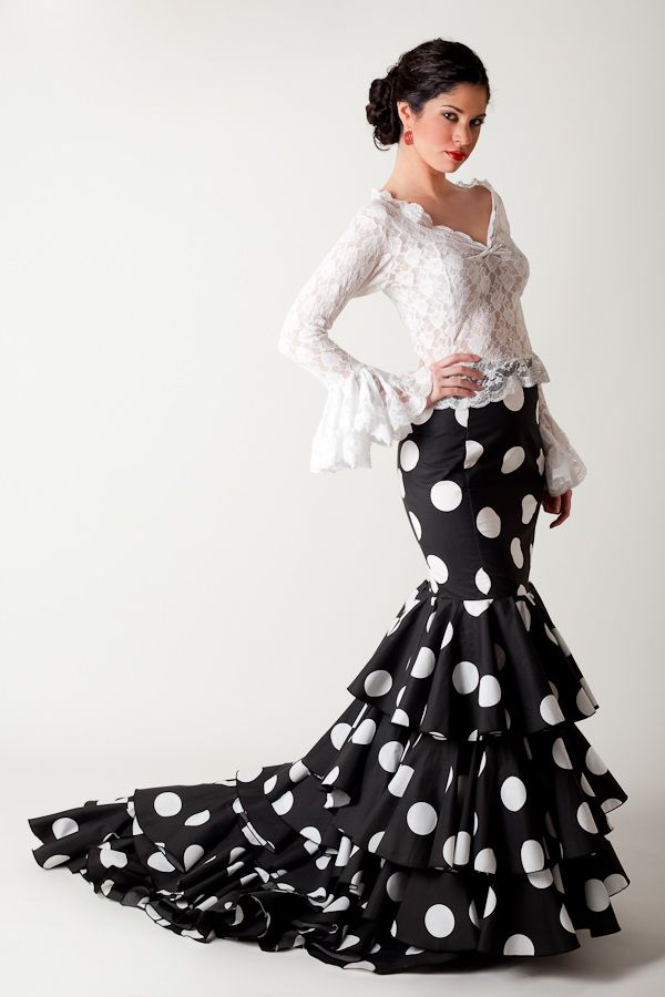Flamenco Fashion by José Carlos Roldán.
