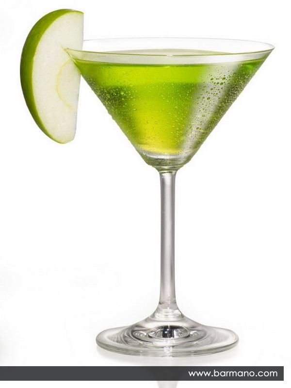 Apple Martini = Vodka 1 + Apple liqueur (mainly apple pucker) 1 + Lime Juice 0.5 / Shaking with ice. Chilled cocktail glass. Slice of apple. It's so fresh!
