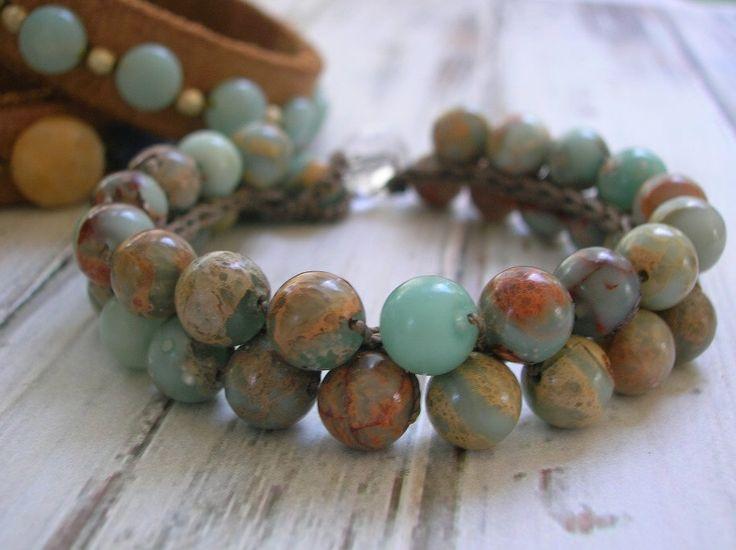 Bohème crochet bracelet - Bubbly - Boho bijoux, bracelet de pile superposition bijoux, pierres semi-précieuses, ciel bleu, sable, bijoux chic hippie par 3DivasStudio sur Etsy https://www.etsy.com/fr/listing/252508308/boheme-crochet-bracelet-bubbly-boho