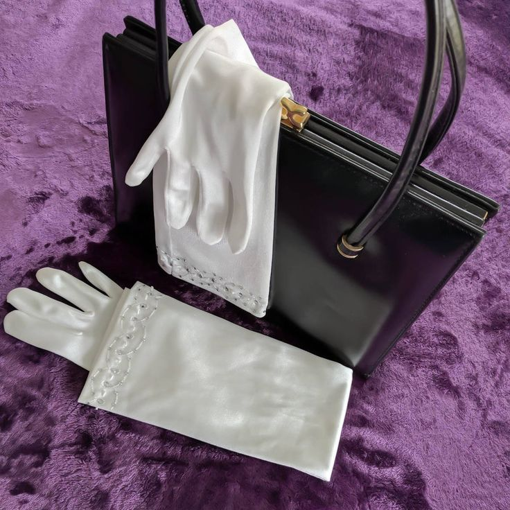 Ivory gloves. vintage gloves. bridal gloves. ivory wedding gloves. long evening gloves. rockabilly. elbow length gloves. prom gloves. cream. by thevintagemagpie01 on Etsy