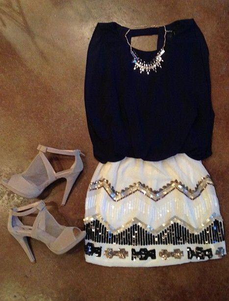 #falda #blanca #blusa #negra
