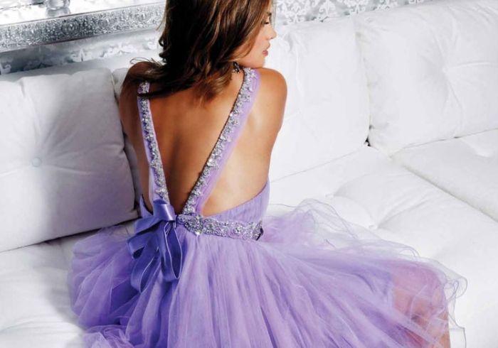 Denne er så fin! Elsker kjoler og topper som har åpen rygg.