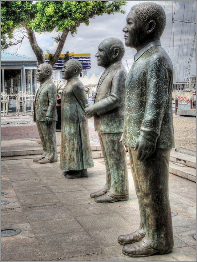 Statues_- SA Nobel peace Laureates_Robin_Denton_640_852_80auto_s.jpg (640×852)