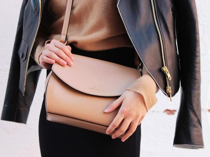14 Things Every Modern Woman Should Carry in Her Purse #drestfinds @drestmaker