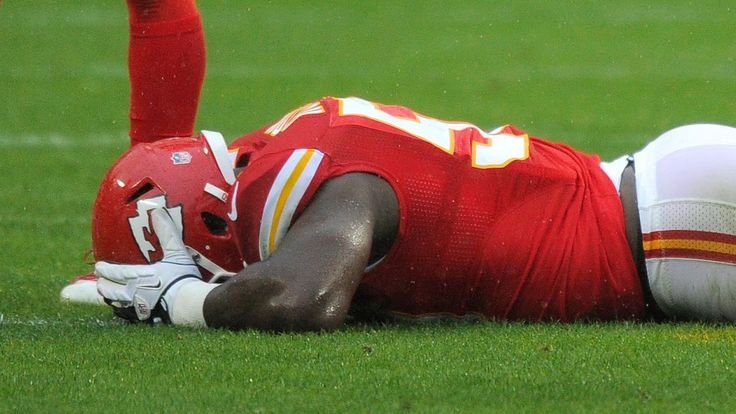Chiefs' Justin Houston could miss upcoming season after ACL surgery