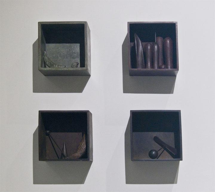 """Interiores.  Gonzalo González  """"Memorias del viento""""  Sala de arte Bronzo."""