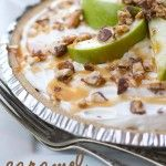 The most AMAZING {no-bake} pie! Caramel, apples, snickers and delicious whipped topping!: Caramel Apple Pies, Snickers Pie, Recipe, Pies Crusts, Diy Crafts, Naps Time, Snickers Caramel, Apples Desserts, Caramel Apples Pies
