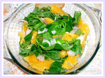 Sałatka ze szpinaku i pomarańczy z zjatyckim dressingiem