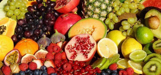 Стресс,кофе,сахар,белый хлеб, мясо, сыры,алкоголь и  тренировки анаэробные (без кислорода) накапливают СО2 в клетках и повышают кислотность спортсмена.Иммунка нуждается в кислороде для самзащиты от раковых клеток. Нужны щелочные продукты: авокадо, ягоды, спелые бананы, морковь, сушеный виноград, сельдерея, чеснок, побеги люцерны, сладкий картофель, абрикосы, груши, Ананас, маракуйя, овощные соки, цикорий, спаржа, водоросли, кресс, лимон, дыня, манго, сахарной свеклы, арбуз.