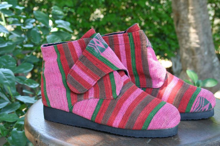 Cyndie - Womens Vegan Ankle Boot In Bright Naga Textiles