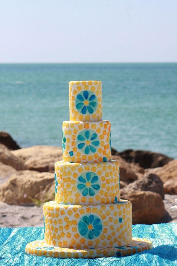 tile work wedding cake