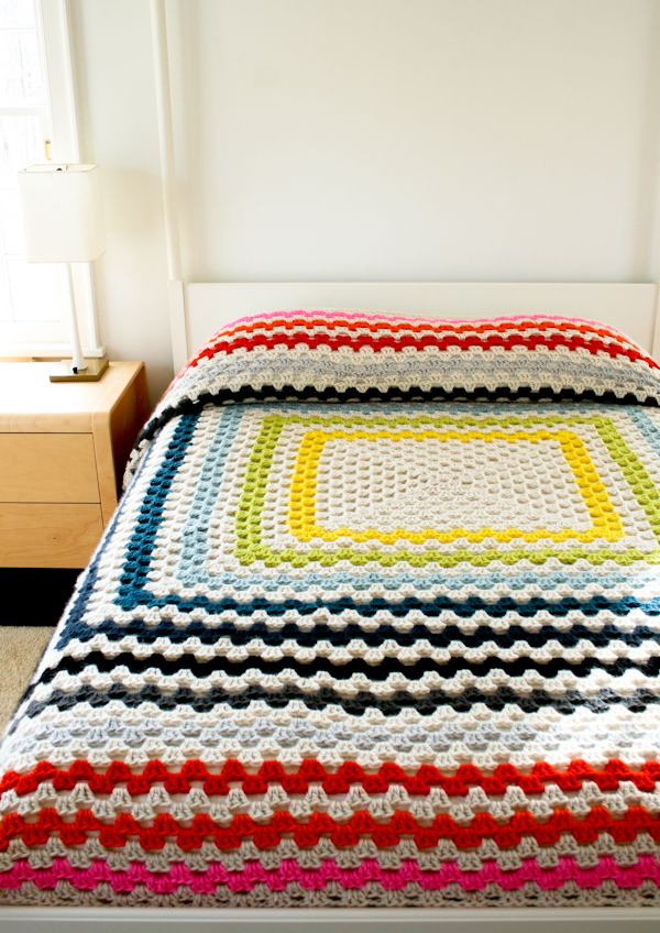FREE Crochet Throw Blanket Patterns featured by top US crochet blog, Flamingo Toes: Giant, Giant Granny Square Blanket | The Purl Bee