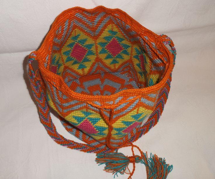 Bag mochila wayuu. Mochila de 26 de diametro x 27 de alto (+/-)
