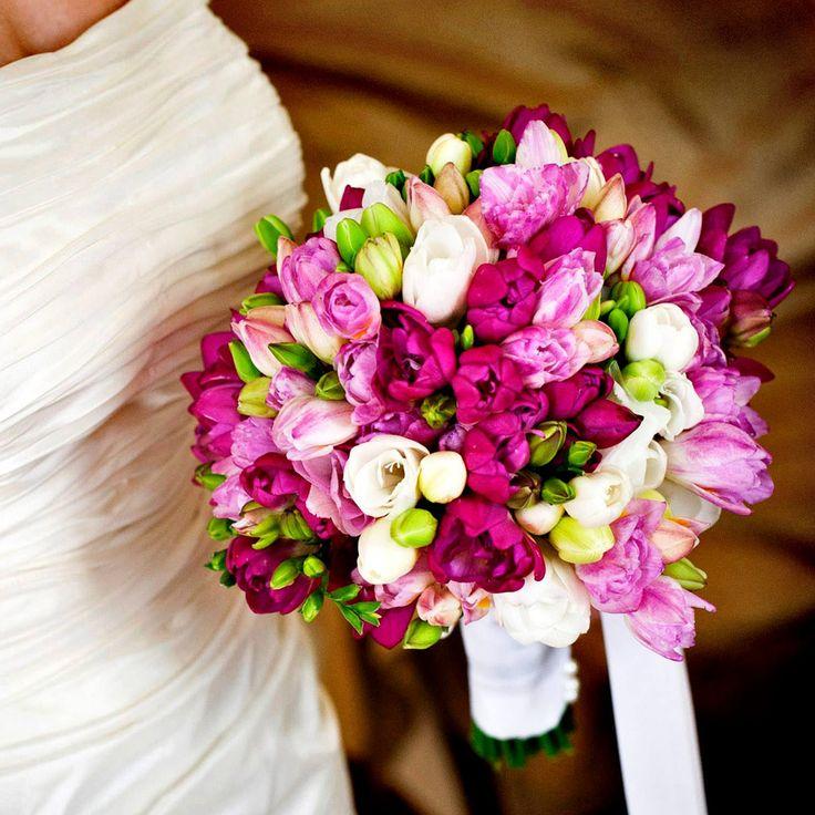 Morlotti Studio - Sweetness of the bride | Bouquet - Colorful bouquet #wedding #bouquet #bride #bridal #flowers #matrimonio