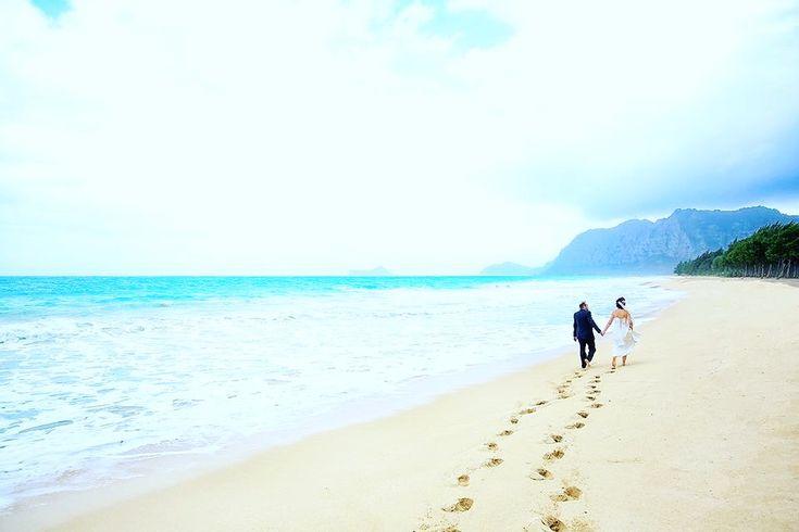 映画みたいな出会い♡ . 旅先トルコのホテルのプールで出会ったおふたり🌺 . ふたりはリゾート地のハワイで結婚式をすることに決めました💐✨ . ✧︎✧︎✧︎✧︎✧︎✧︎✧︎✧︎✧︎✧︎✧︎✧︎✧︎✧︎✧︎✧︎✧︎✧︎✧︎ #weddingsofhawaii #ビーチウェディング #プレ花嫁 #結婚式 #ウェディング #結婚準備 #花嫁 #結婚式準備 #卒花嫁 #ウェディングフォト #ウェディングドレス #ハワイウェディング #ハンドメイド #日本中のプレ花嫁さんと繋がりたい #全国のプレ花嫁さんと繋がりたい #前撮り #卒花 #ブーケ #フォトツアー #ヘア #メイク  #レポ #インスタ #ブライダルネイル #ブライダルエステ #結婚式DIY #花嫁仲間 #花嫁会 #プレ花嫁デビュー #エスクリ ✧︎✧︎✧︎✧︎✧︎✧︎✧︎✧︎✧︎✧︎✧︎✧︎✧︎✧︎✧︎✧︎✧︎✧︎✧︎ 詳しくは☞ 【wedhawaii.jp】で検索🎶✨