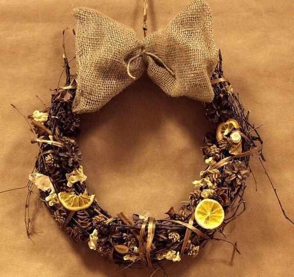 wreath by FF Новогодний  венок из березовых ветвей с дольками сухофруктов и палочками корицы принесет в дом не только тепло и уют, но и яркий аромат праздника