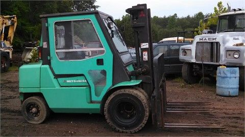 """If you're living in Greensboro, NC and looking #forklift for your industrial company, then Used 2005 #Mitsubishi FD40 Forklift available for sale by Levan Equipment in Greensboro, NC, USA. This Mitsubishi fd40 forklift looks good condition and available with many features as 8.25X15 front tires, 7.00x12 rear tires, side shift, 2 stage mast shipping dimensions: 10'6"""" long, 8' wide, 7'6"""" tall. http://www.heavy-machinerytrader.com/used-machinery/2005/forklift/mitsubishi/fd40/3822/"""