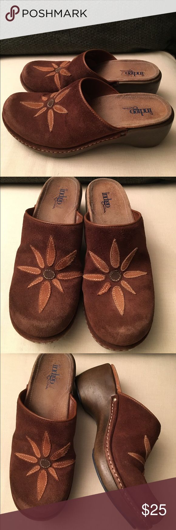 Clarks Indigo Brown Suede Mule Clogs Gently worn Indigo by Clarks brown suede clogs. Clarks Shoes Mules & Clogs