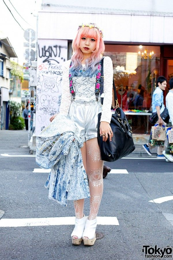 Pink-blue dip-dye hair is what first caught out eye + her silver Bubbles Harajuku shorts and Jeffrey Campbell wooden platforms, :)