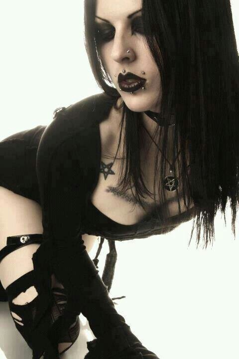 Bend over: Goth Girls, Gothic Beauty, Sexy Goth, Gothic Style, Dark Beauty, Gothgirls, Tattoo, Gothic Fashion