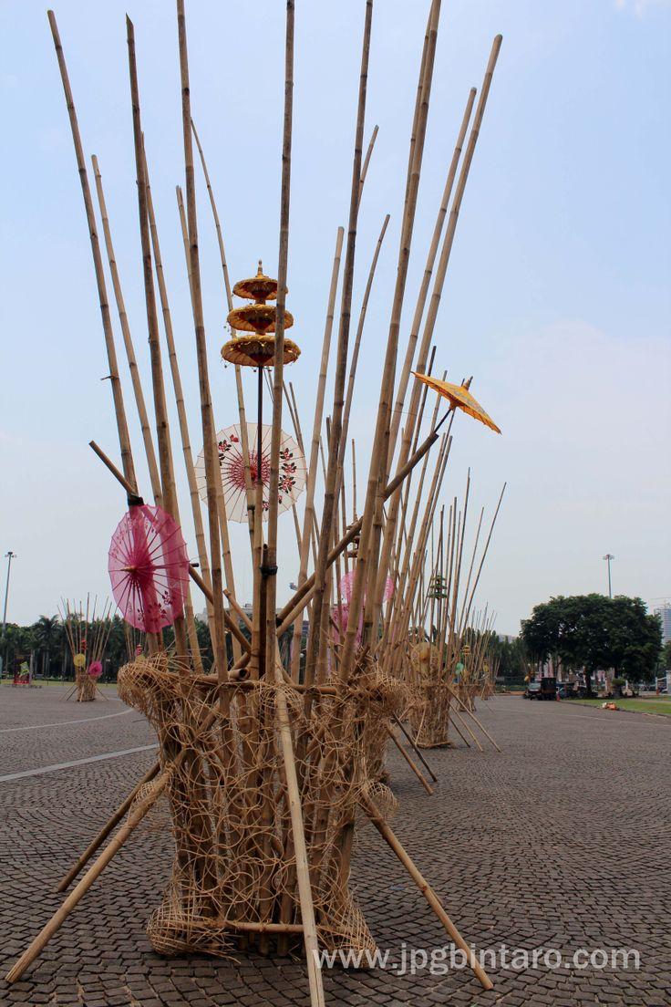 Seni Instalasi Bambu di Monas 6 Desember 2014  post by http://www.jpgbintaro.com