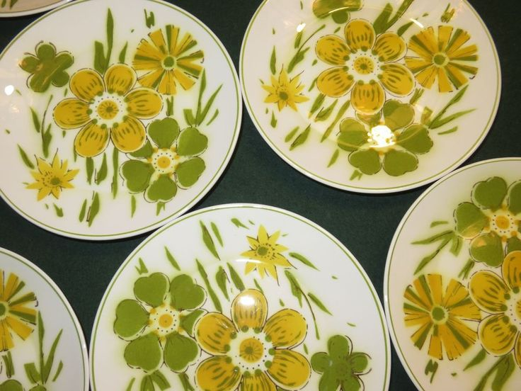 MOVING SALE LOT 8 Mikasa Green Yellow Floral Salad Plates  Pick-Up Only Lisle IL