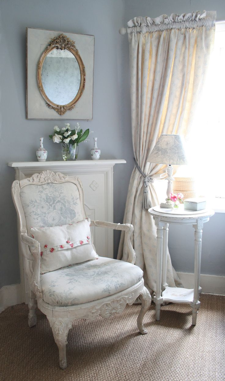 Smokey Blue Bedroom: Smokey Blue Grey With Creamy Chair In Pretty Floral. (note