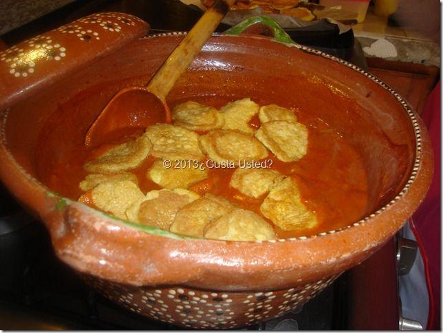 ¿Gusta Usted? Auténtica Comida Casera Mexicana: RECETA DE TORTITAS DE CAMARON CON NOPALES EN PIPIAN ROJO