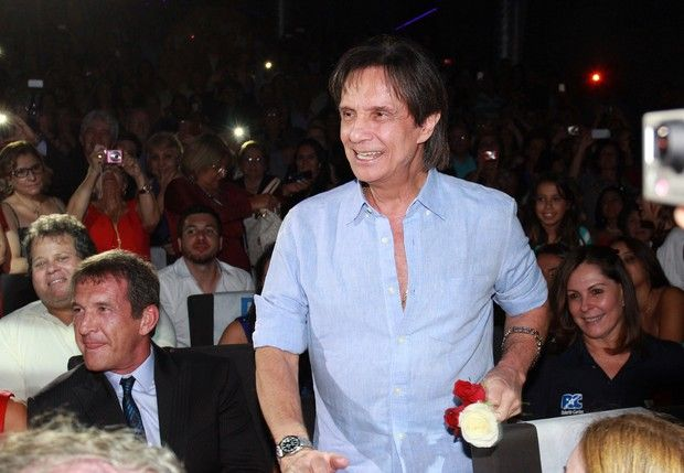 LAS CADERAS TABASCO: Roberto Carlos quiere a Shakira em seu DVD Interna...