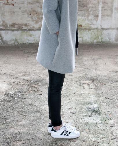 Via La Cool et Chic | Black Grey White | Leather | Adidas | Minimal