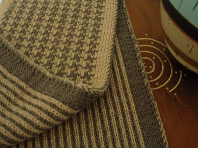 Houndstooth/Stripe Double Knit Scarf - free pattern by Melissa Leapman