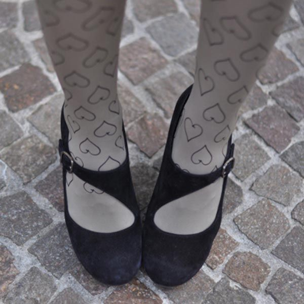 I Heart Spring: heart patterned tights outfit by @armadiodelitto #trendylegs #zohara