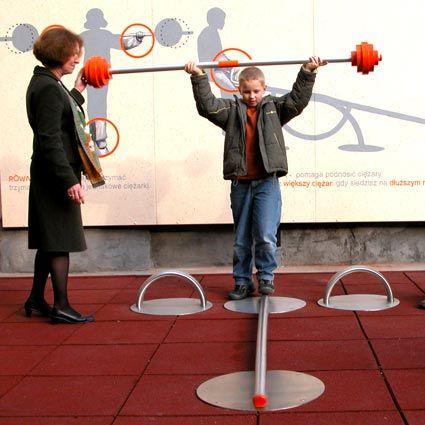 Interaktywny plac zabaw - równoważnia