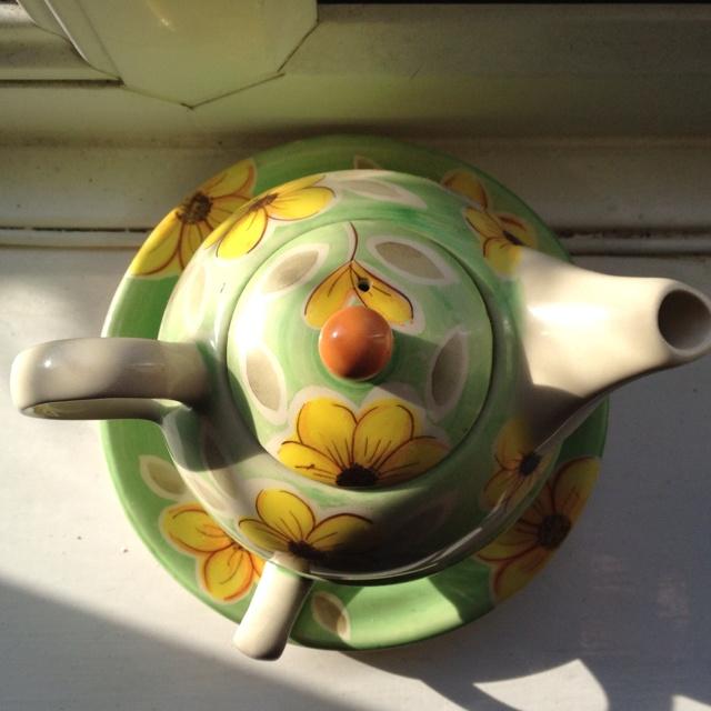 Teapot: Photo Serotonin