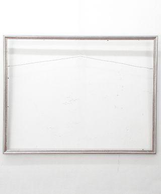 Marco Plateado Medida Exterior: 55x71 cm. Medidas Interior: 52x68 cm. Varilla: Italiana de 2cm. plata gastada.