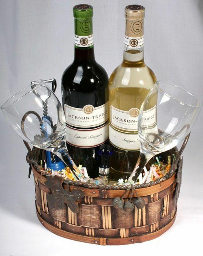 romantisches Dinner Präsentkorb selber machen zwei Flaschen Wein und zwei Weingläser
