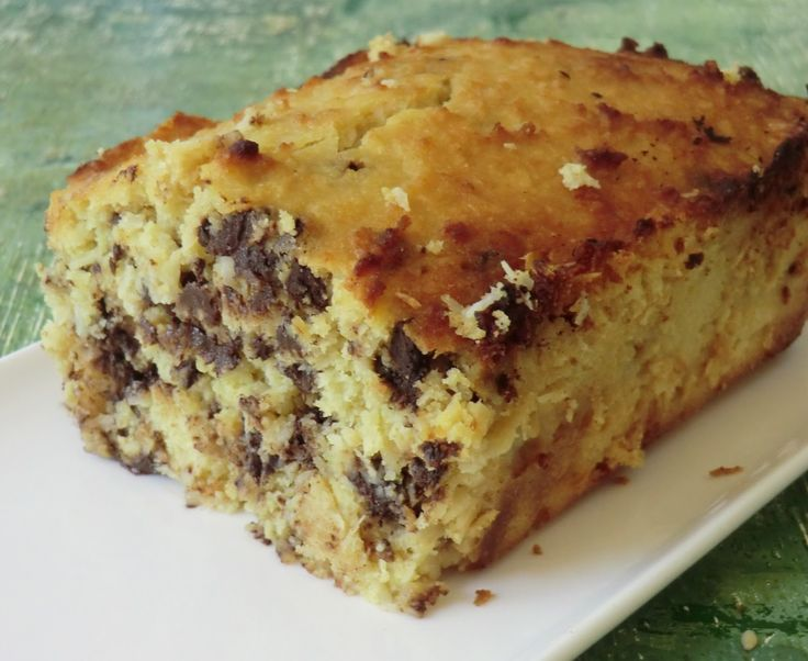Une nouvelle version de gâteau à la noix de coco  et pépites de chocolat ... que de la noix de coco   Un délice! fondant à souhait!   ...