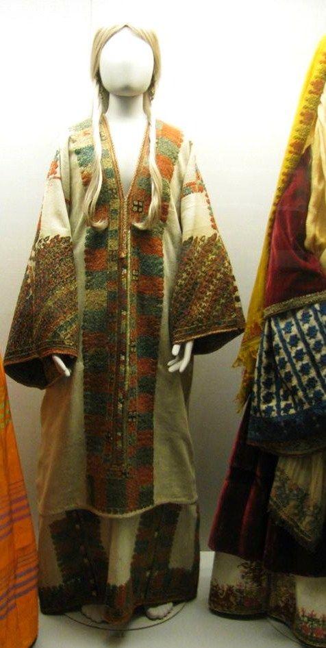 Φορεσιά Καρπάθου, 18ος αιώνας.