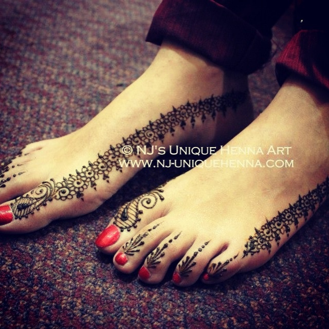 Simple bridal feet henna 2013 © NJ's Unique Henna Art | Bridal henna mehndi. NJ's Unique Henna Art © All rights reserved. Henna by Nadra Jiffry. Based in Toronto, Canada. Specializing in Bridal henna and henna crafts. This is my work and my photos only.  www.nj-uniquehenna.com