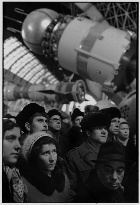 Henri Cartier-Bresson // SOVIET UNION. Russia. 1972 - Moscow.  The Space Pavilion ( Exhibition Centre).