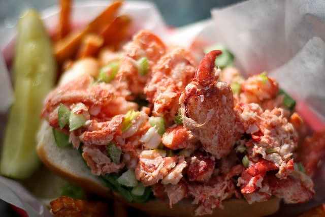 lobster roll.. just about the best meal